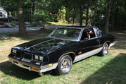 1986 Oldsmobile 4422 DR COUPE